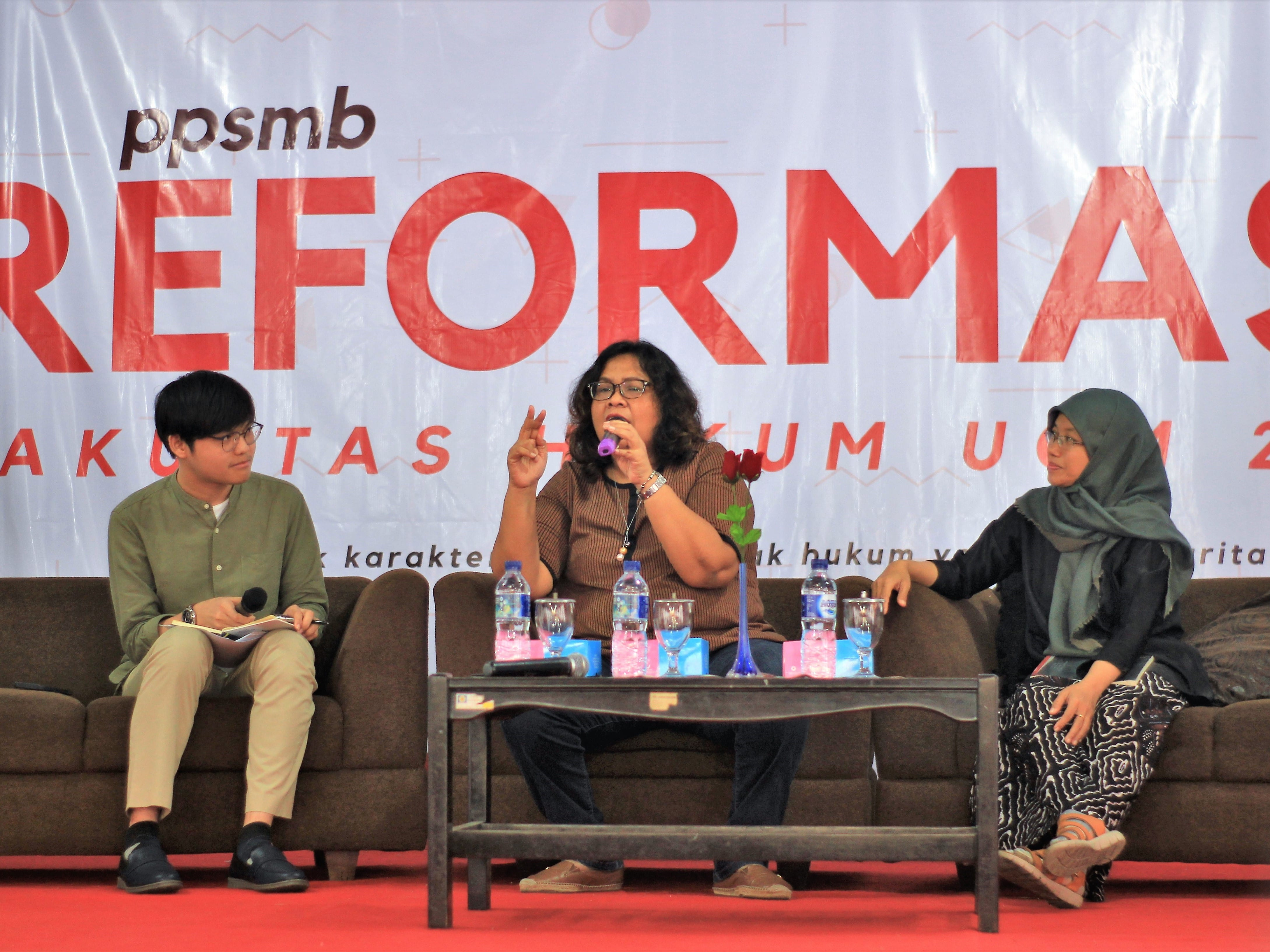 Talkshow tentang Memperkenalkan Kompetensi di Bidang Hukum